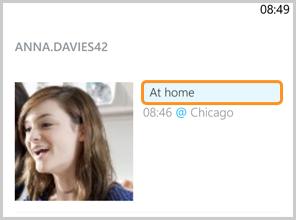 Uma Mensagem de humor exibida junto à imagem de perfil.