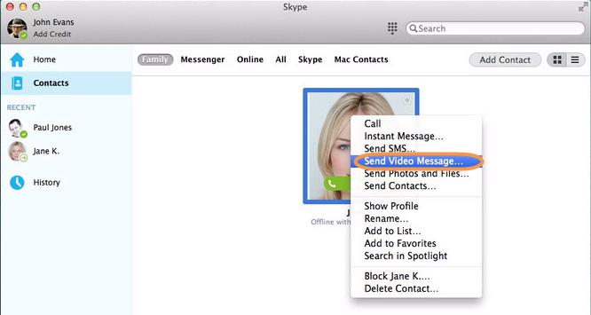 Option Envoyer un message vidéo sélectionnée à partir de la liste qui apparaît après avoir cliqué avec le bouton droit sur un contact dans Skype